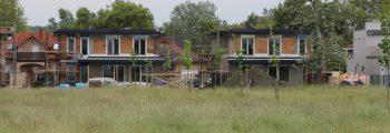 Így látni a Z4 házakat a Balaton partjáról
